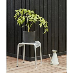 812055-3_Rel Plant Pot With Saucer XXL black_Watering Can light grey_Palissade Stool Hot Galvanised.jpg