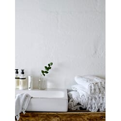 HUM1_Rel Guest Towels (5713391000072). Washcloths (5713391000089). Bath towels (5713391000065). Hand Soap (5713391000140). Hand Lotion (5713391000157)