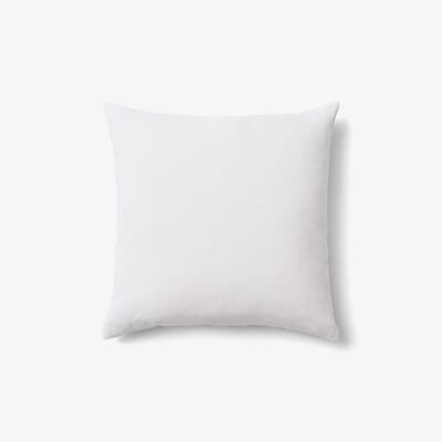 25010102 ampTradition_Collect_Linen_Cushion_SC28_Milk_1.jpg