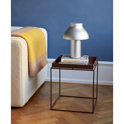 1025033029000_Rel Tray Table cherry red high gloss_PC Table Lamp aluminium anodised_Crinkle Stripe Plaid yellow.jpg