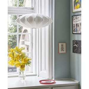 hay114_Rel Bubble Lamp Criss Cross M_Colour Vase transparent_Perforated Tray red.jpg